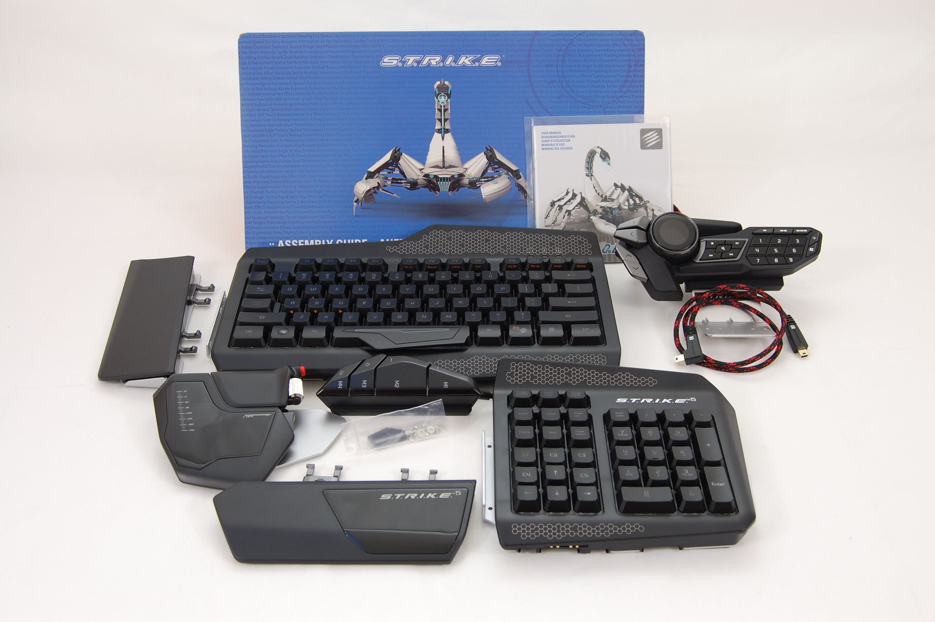 MadCatz-Strike5-Keyboard-Included-Accessories